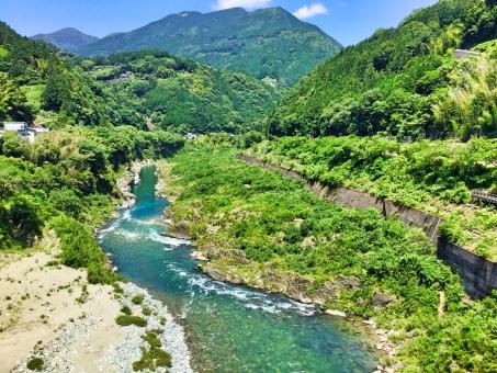 8月11日 山の日は営業いたします。