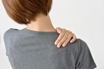 背中の痛み、寝違えで悩んでいた患者さんからご感想をいただきました。