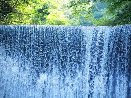 8月12日 山の日は営業いたします。